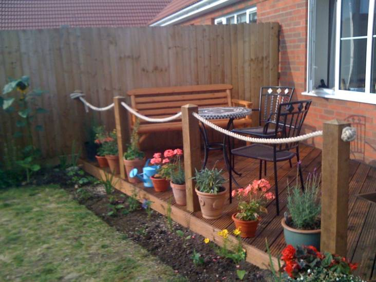 Natural hemp rope garden decking from for Garden decking hinckley